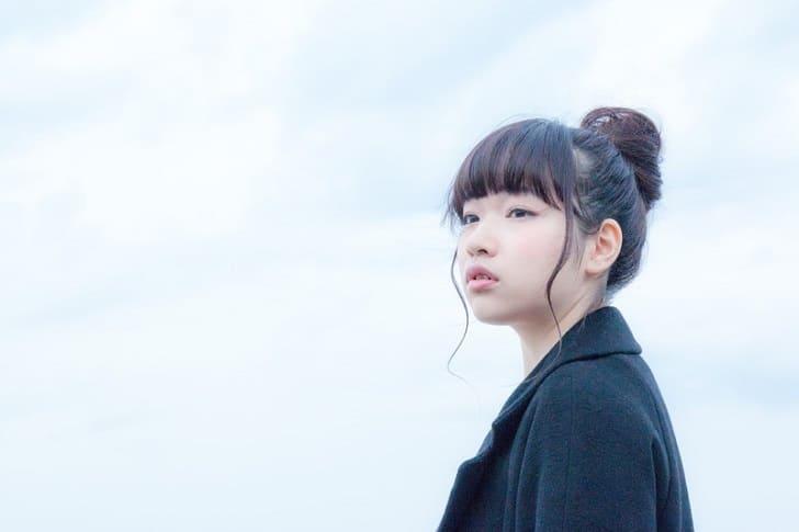 「待つ」を韓国語で何というか解説!
